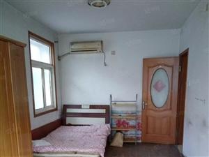 武宁路套二5楼装修双气家具齐全1300月