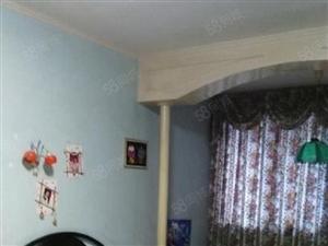 房子价格相当便宜。家具家电都很齐全。拎包入住哦。