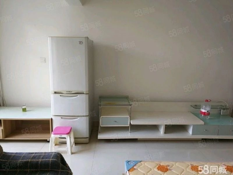 淘宝街旁富然三期精装一室带家具澳门金沙平台拎包入住