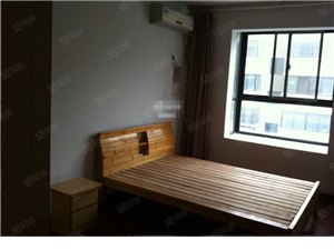 桂花园电梯房三室两厅拎包即住中等装修