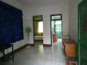 奎角广场5楼两室两厅80平米简单装修有空调拎包入住
