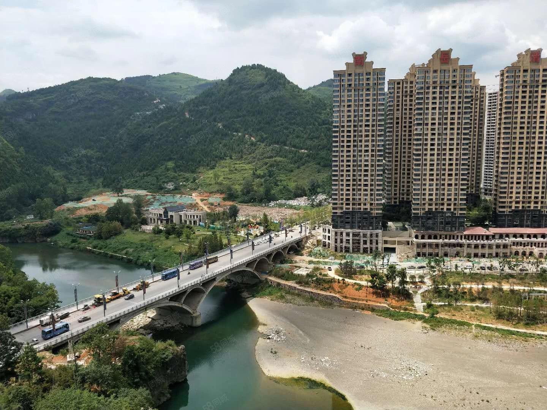 火车站金铜国际,一线江景房,直接更名免过户税费,超好户型