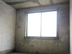 仅此一套优价房源,尊城水岸毛坯三室电梯房,小区环境没得说!!