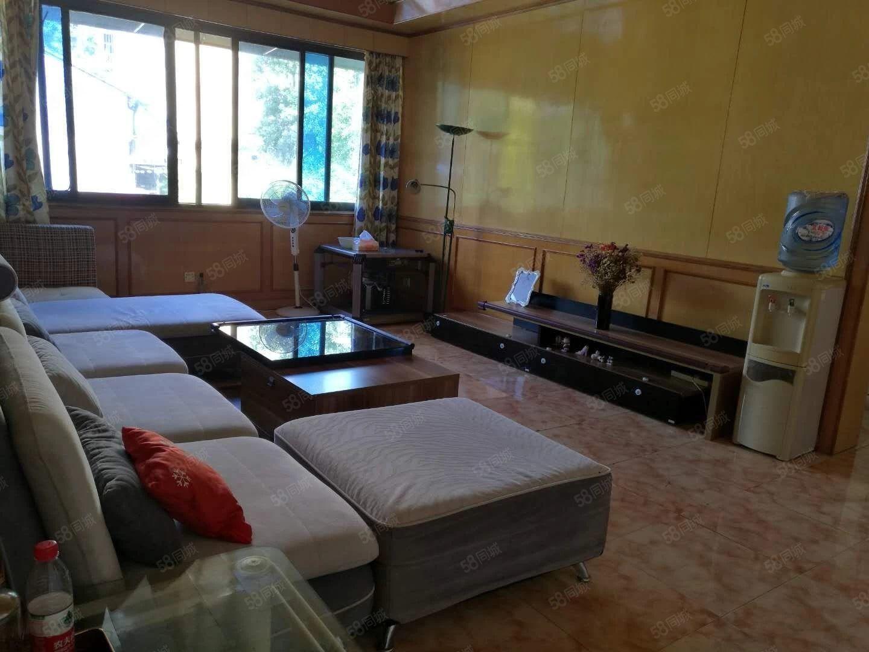 《福平房�a》�A夏太和附近4�侨�房出租1800/月家��R全。