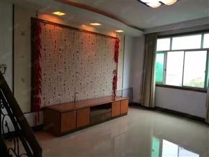 0步行街近复式楼3室2厅中等装修200平共5楼售39.8万