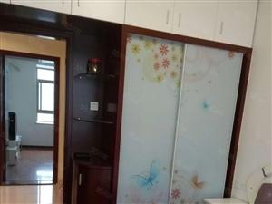 东湖豪门精装2房,设备齐全,拎包入住