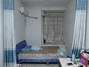 龙顺家园精装1室、矮楼层、家具家电齐全