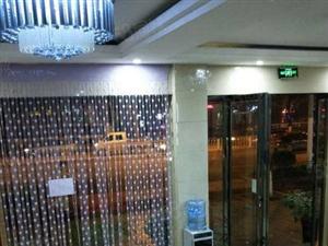 吉大附近临街宾馆私房出售,年收益20万,出让地,双证
