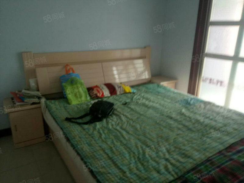 鑫苑二区新房4楼3室1厅1卫空调热水器天然气床柜子沙发