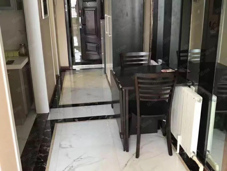 亿隆国际南向复式公寓包取暖物业电梯