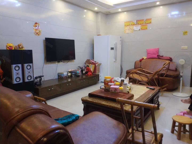 笋!阳东保健院私宅、精装、前面18米、手续齐全、仅需146万