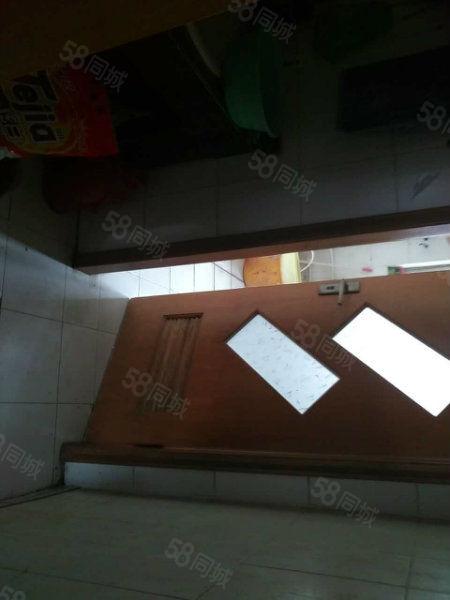 菱花小区中间楼层满五唯一带25平方独立商用储藏室急售
