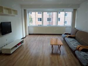 河畔家园兴隆附近财经学校东边3室包取暖物业家具家电齐