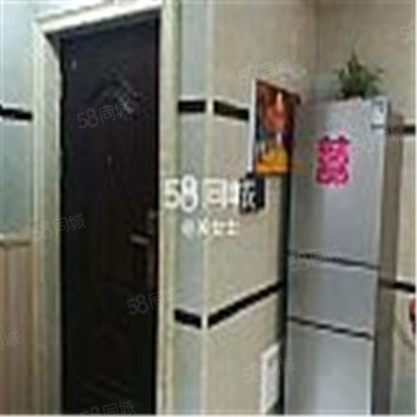 金涵小区两室一厅出租中国式装修