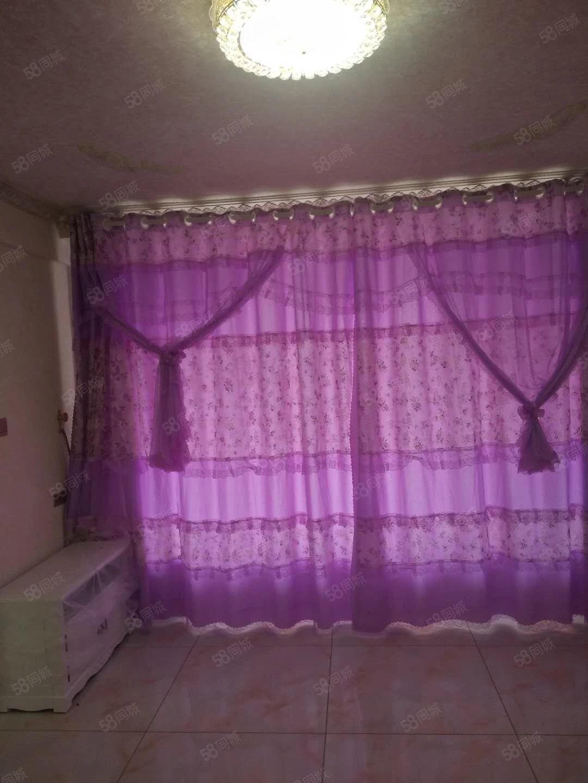 首次出租,欧式装修,可短租,仅此一套,一室一厅犹豫就没啊