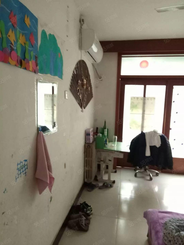 牡丹小区精装三室、家电齐全、拎包入住