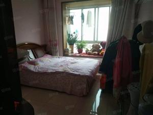 刘燕新推金色家园南北通透大三房,精装,租价低