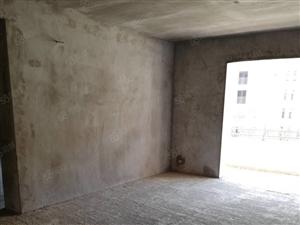 天鹅山庄三室两厅118平电梯好楼层56万急售