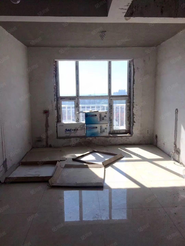 城东新村,顶楼带阁楼,毛坯房,电梯,地热框架楼南北通透