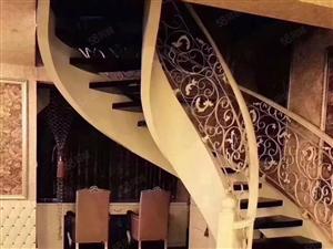 东城国际豪装楼中楼三房出典设备齐全拎包入住