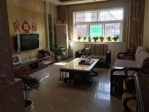 出租:城中心广场附近精装2居室家具电齐全