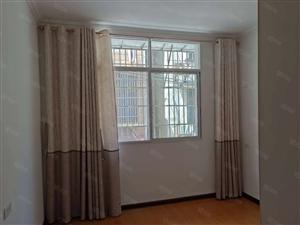 七星广场附近二室二厅精装修南北通透拎包入住