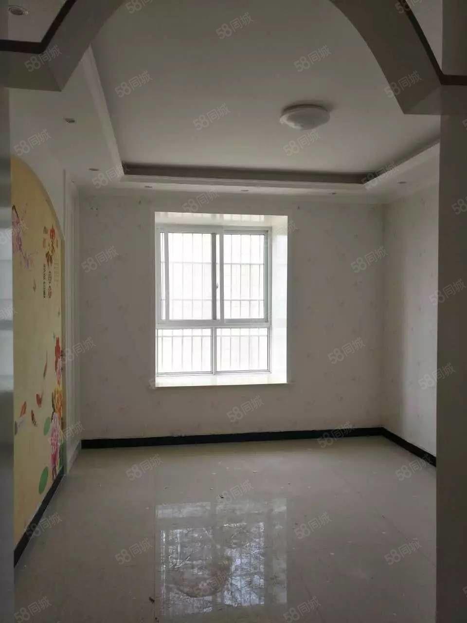 澳门星际网址鼓楼广场两室套房精装修
