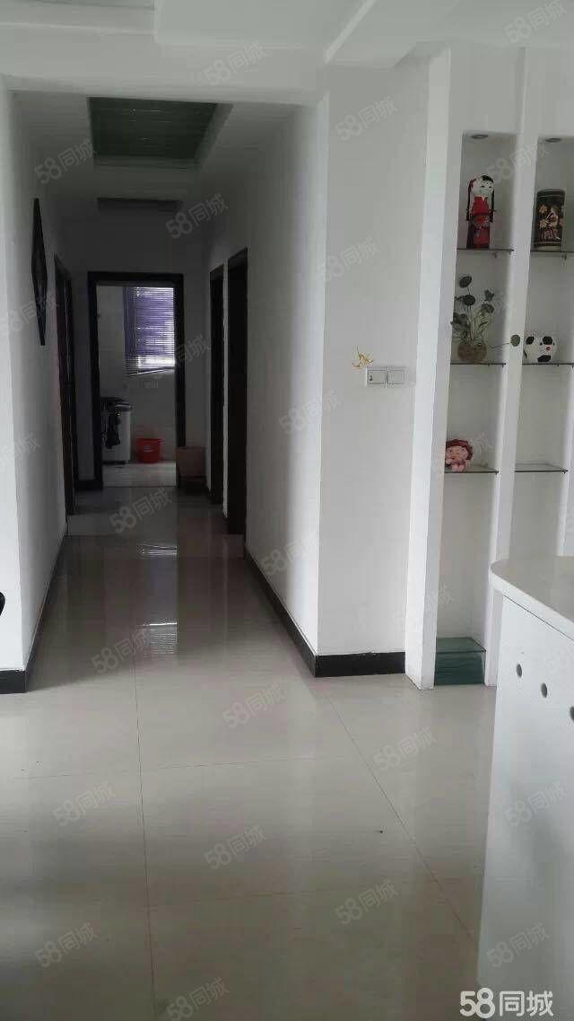 铅山县滨江花城4室2厅2卫6楼总7楼精装修带家具家电50万