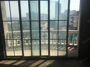 铅山滨江花城附近户型很好三个阳台全新毛坯144