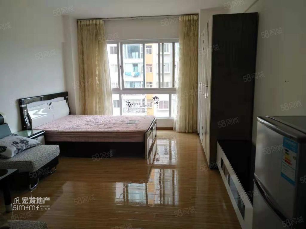 YX时代广场1000元1室1厅1卫精装修采光好,拎包随