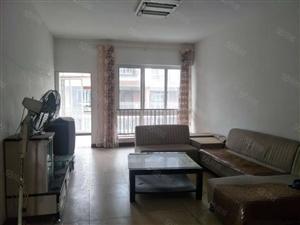 城北鹿港小镇三室两厅两卫简单装修低于市场价!诚心出售!