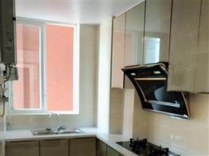 香椰河畔电梯房精装3三室,全新装修,拎包入住!喜欢的来