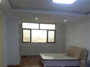 出租泰和公寓一室一厅,简单家具,年租