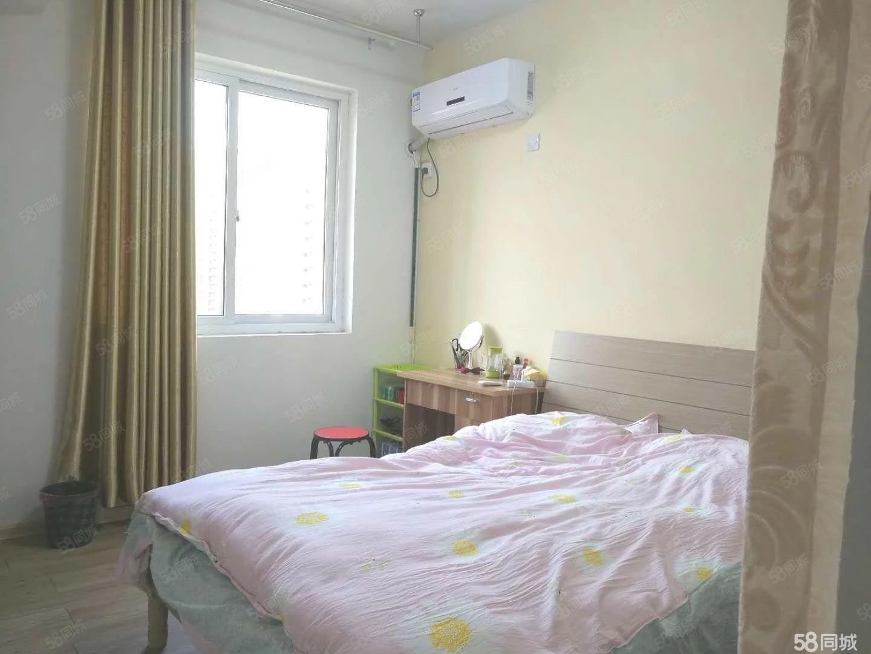 大市场一室一厅一厨一卫精装公寓房