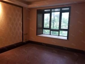 鑫领域123平方大三室超适合办公的一套房子只求有缘人!
