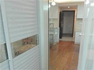 明珠佳园,2室1厅豪华装修,2500