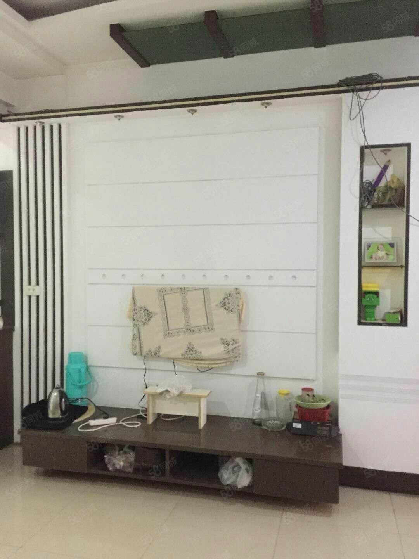 东洲小区精装修3室2厅家电齐全,宁包可住,随时看房