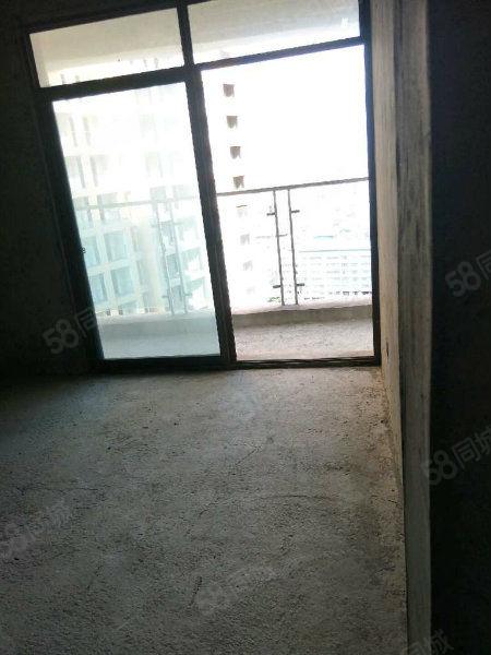 中央商务区电梯房正规两室两厅一卫可改三室两厅双卫,清水房。