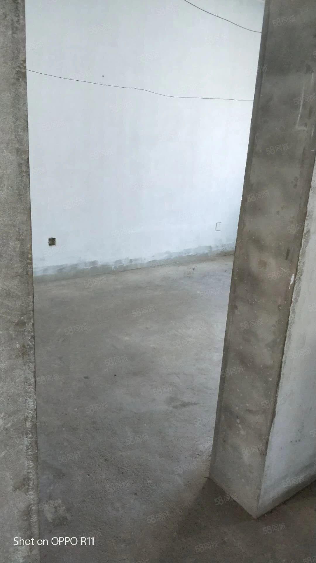棚户区V区五层落地窗经典H户型地理位置好小区环境好