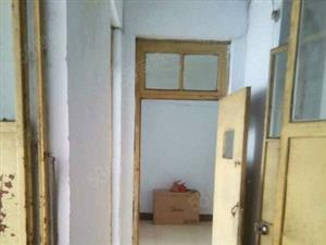 宏城集团2室一厅带储藏室有上学名额70平40万