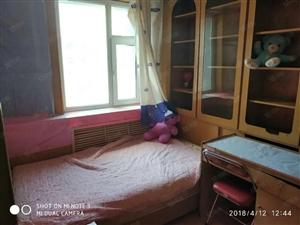 扬子江路文化宫小两室中等装修拎包入住随时看房欢迎来电