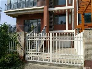 东城,开发区,金宇润苑一二层叠拼别墅,包改合同可贷款。