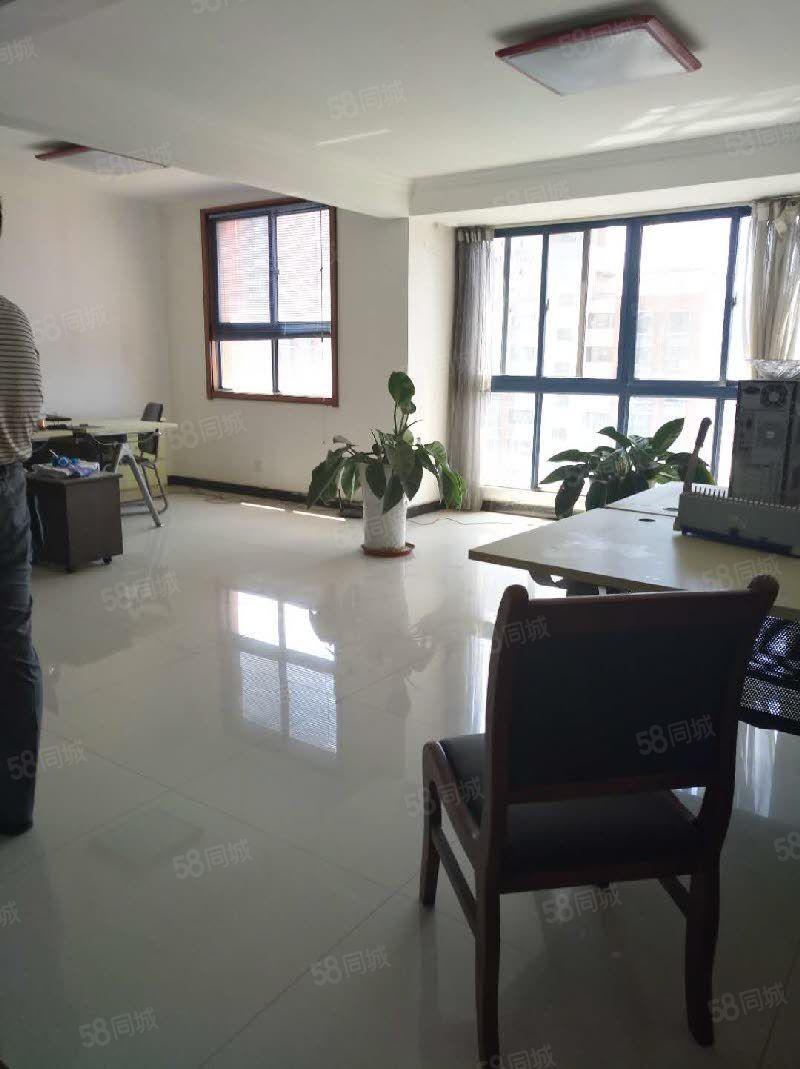 世纪大道+启迪学校旁蒂都花园四室简装可办公住家