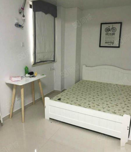 东晟单身公寓中等装修拎包入住
