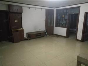 沃尔玛西邻新兴小区三室两厅两室朝阳大客厅