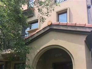 碧桂园三期边位别墅156+110平米花园,证满二年售155万