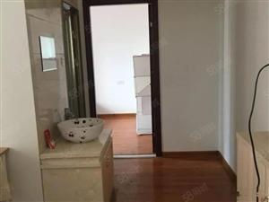 万达华城2000元2室1厅1卫普通装修便宜出租,适合附