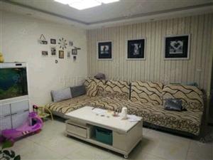 明珠小区全明三室明水小学紧邻简单家具拎包入住