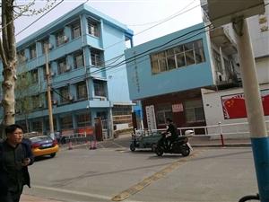 枣店阁学区有学位1室1厅设施齐全送储一间34万