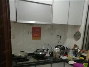 鹤峰路邮政宿舍房子出售三房居家方便售42万
